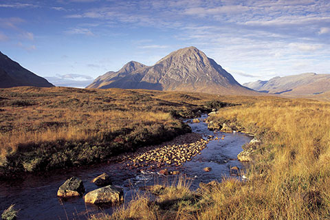 under-a-scottish-skye-07